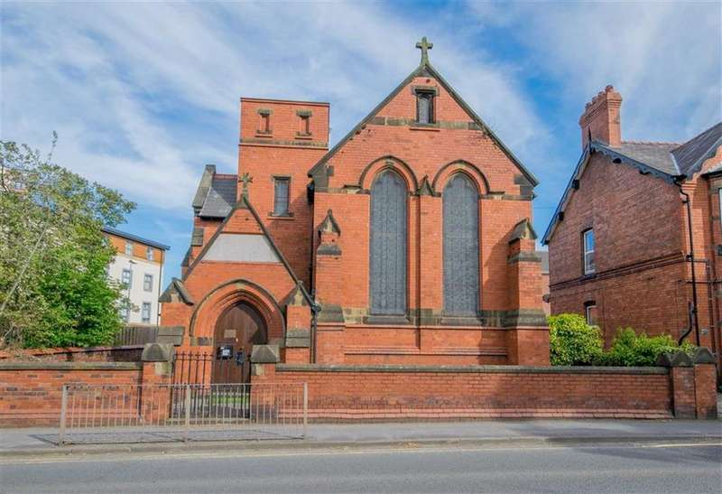 2 Bedrooms House for sale in Church Street, Flint
