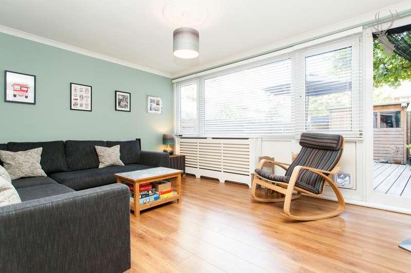 3 Bedrooms Maisonette Flat for sale in Dethick Court, Bow, E3