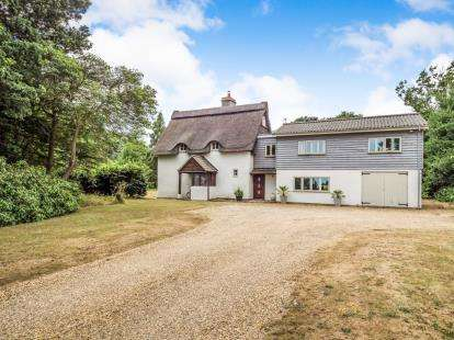 4 Bedrooms Detached House for sale in North Walsham, Norfolk