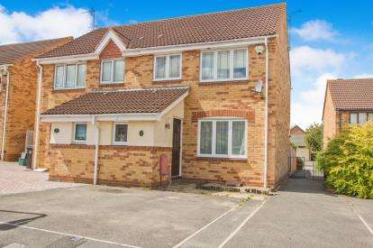 3 Bedrooms Semi Detached House for sale in Willow Bed Close, Fishponds, Bristol