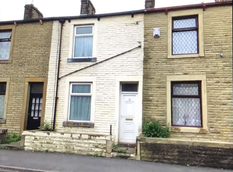2 Bedrooms Terraced House for sale in Queen Victoria Road, Burnley, Lancashire, BB10