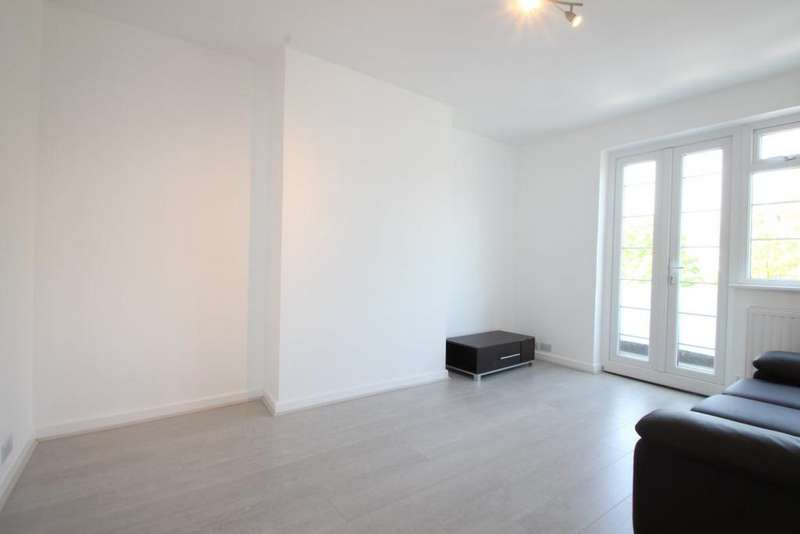 2 Bedrooms Flat for sale in Torrington Park, North Finchley