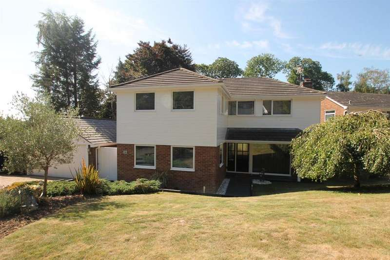 5 Bedrooms Detached House for sale in Birch Crescent, Aylesford