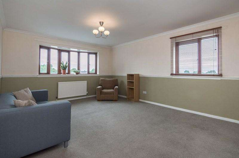 3 Bedrooms Property for sale in 23/7, Ferryfield, Inverleith, Edinburgh, EH5 2PR