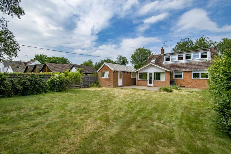 3 Bedrooms Detached House for sale in Beech Lane, Woodcote, Reading, RG8