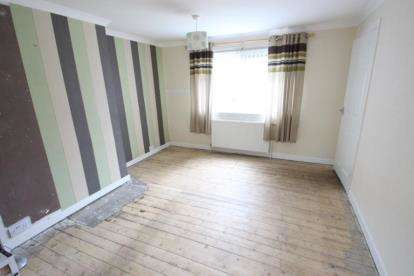 2 Bedrooms Semi Detached House for sale in Keir Hardie Crescent, Kilwinning, North Ayrshire