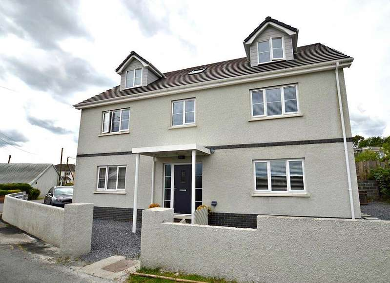 5 Bedrooms Detached House for sale in Blaenau
