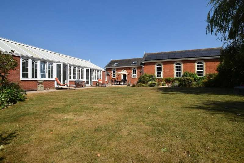 4 Bedrooms Detached House for sale in Great Bromley, Colchester, CO7 7JT