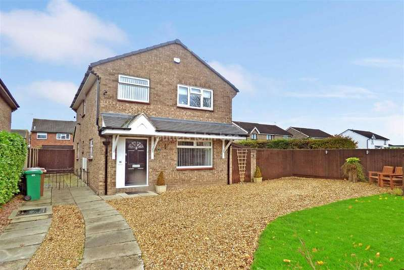 3 Bedrooms Detached House for sale in Whitby Close, Crewe