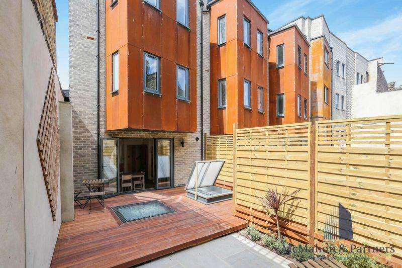 4 Bedrooms Terraced House for sale in 1C House, Comet Street, London