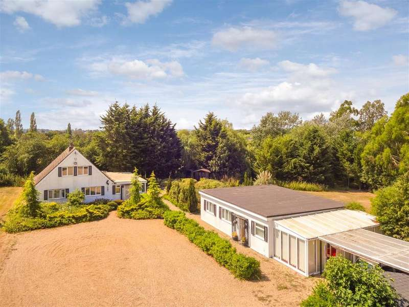 6 Bedrooms Detached House for sale in Highlands Hill, Mayland, Chelmsford
