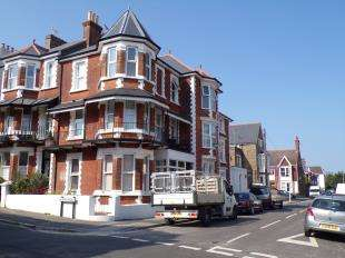 5 Bedrooms Semi Detached House for sale in Truro Road, Ramsgate, Kent