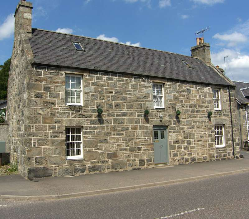 4 Bedrooms Detached House for sale in High Street, Kingussie, PH21 1HX