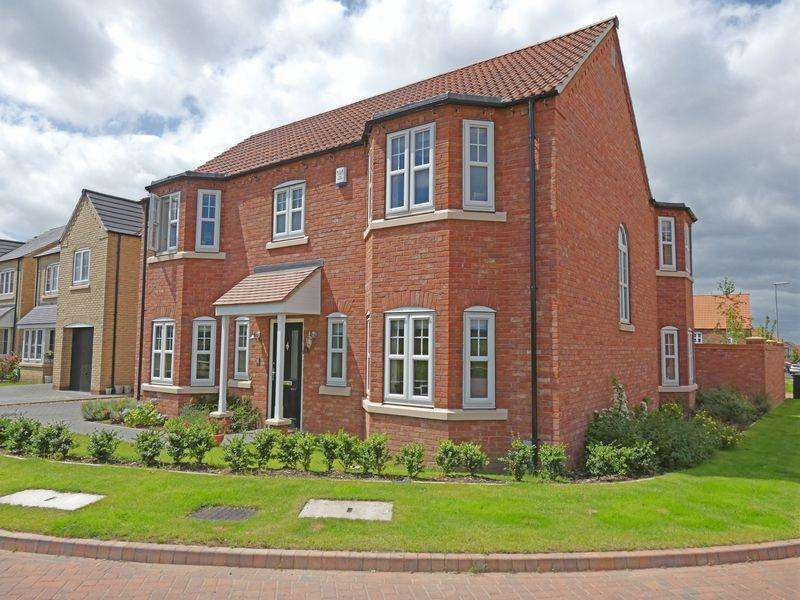 4 Bedrooms Detached House for sale in Loweswater Close, Waddington