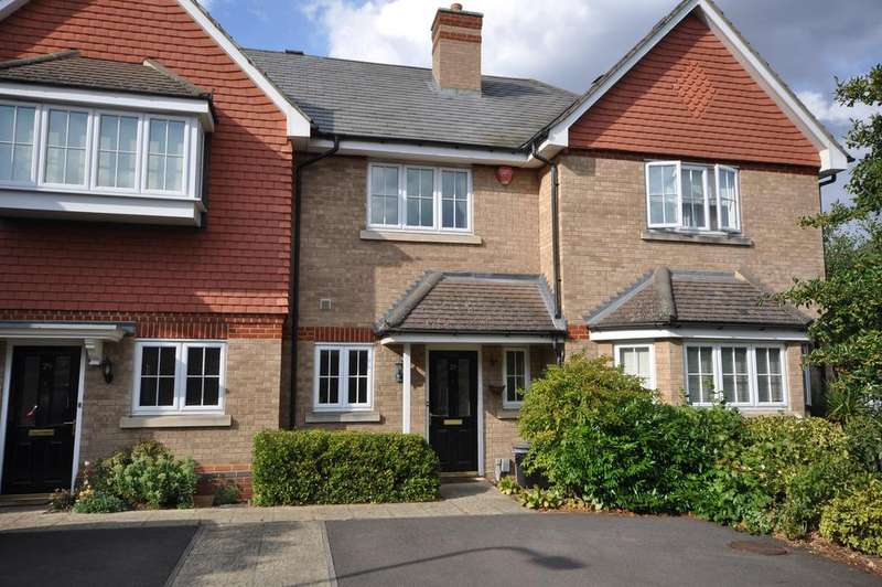 2 Bedrooms Terraced House for sale in Elmwood Close, Woodley, Reading, RG5 3AL