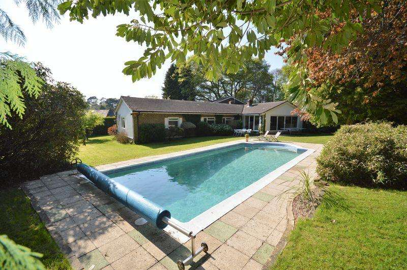 5 Bedrooms Detached Bungalow for sale in Pine Bank, Hindhead