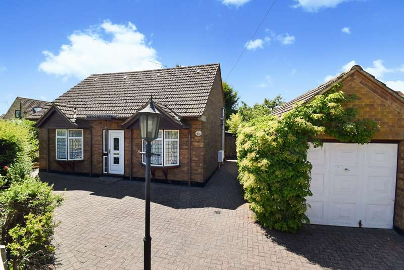 3 Bedrooms Chalet House for sale in Wymers Close, Burnham, SL1