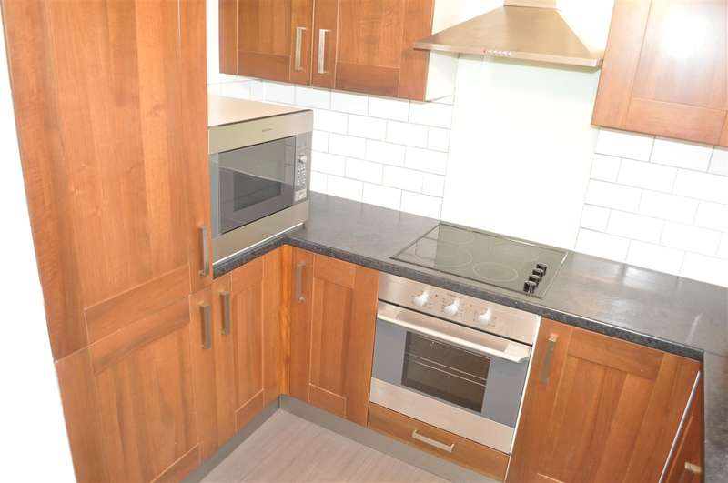 3 Bedrooms Apartment Flat for sale in Moulton Rise, Luton