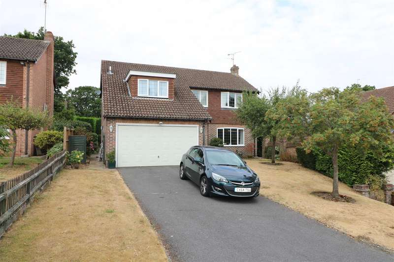 4 Bedrooms Detached House for sale in Oregon Avenue, Tilehurst, Reading