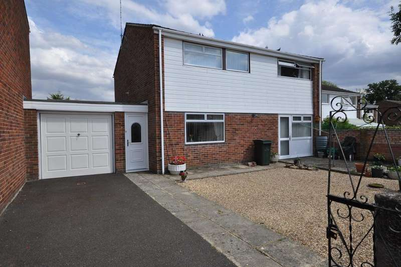 4 Bedrooms Detached House for sale in Elstow Avenue, Caversham, Reading, RG4 6RX
