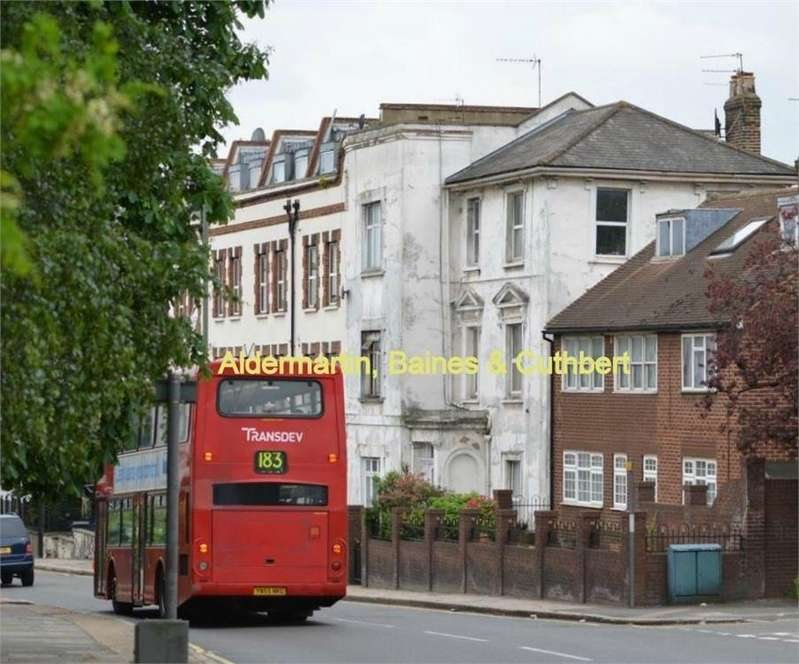 Studio Flat for sale in Station Road, London