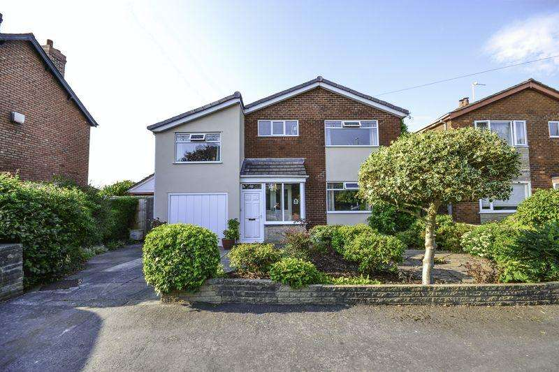 5 Bedrooms Detached House for sale in Course Lane, Newburgh