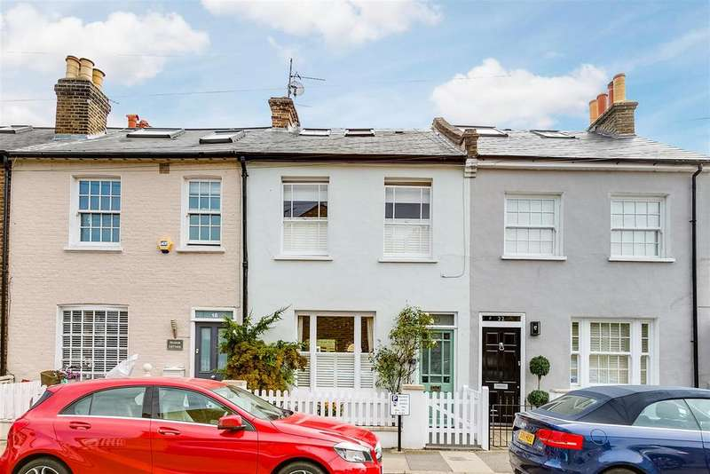 3 Bedrooms Terraced House for sale in Cross Street, Barnes, London