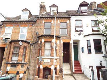 1 Bedroom Flat for sale in Grove Road, Luton, Bedfordshire