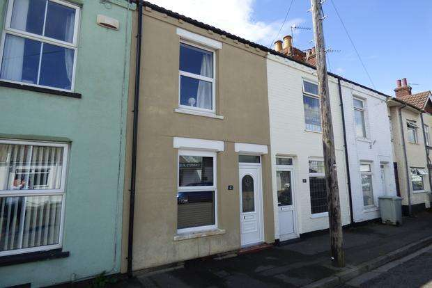 2 Bedrooms Terraced House for sale in Albert Road, Skegness, Lincolnshire, PE25