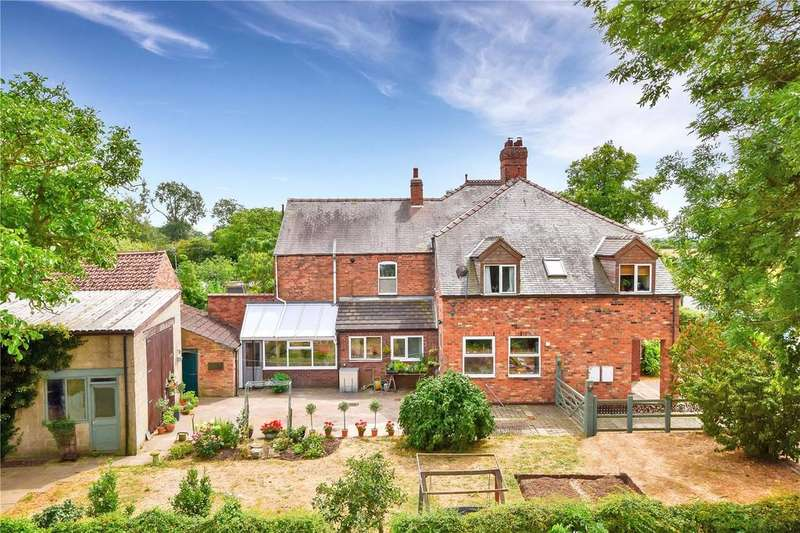 4 Bedrooms Semi Detached House for sale in Gainsborough Road, Willingham By Stow, Gainsborough
