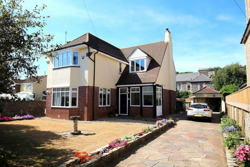 4 Bedrooms Detached House for sale in Detached four bedroom family house