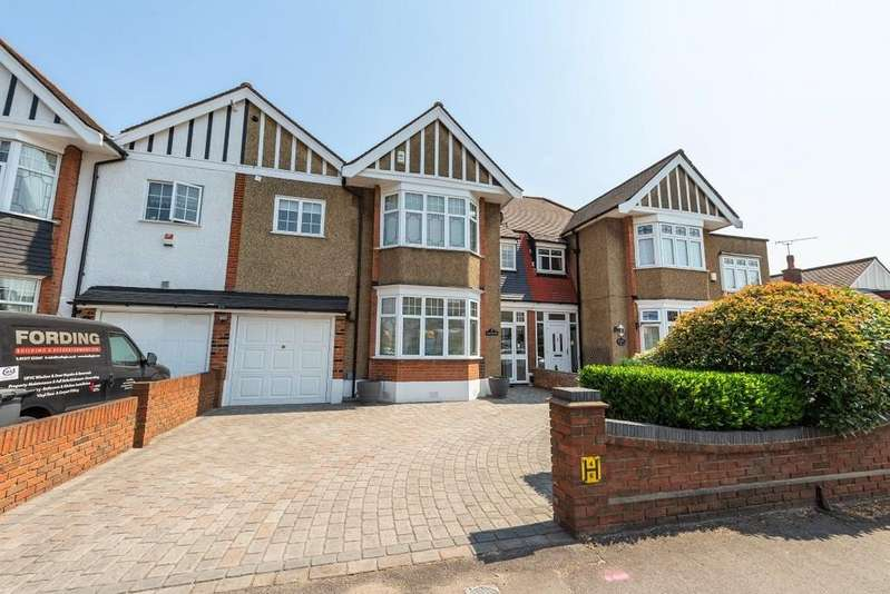 4 Bedrooms Terraced House for sale in South View Drive, South Woodford