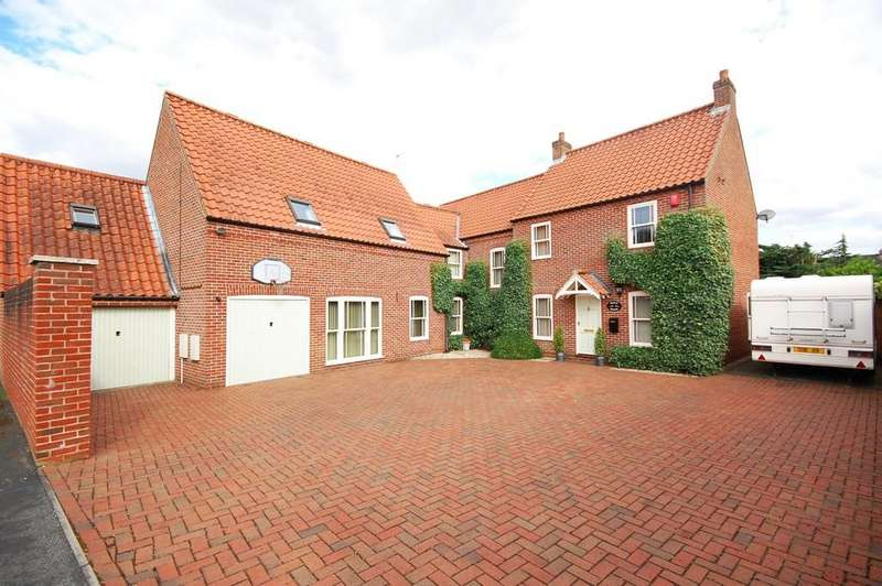5 Bedrooms Detached House for sale in Beech House, Old Mill Park, Louth, LN11