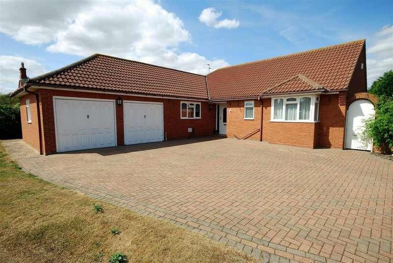3 Bedrooms Detached Bungalow for sale in Sunnydale Close, Surfleet, Spalding