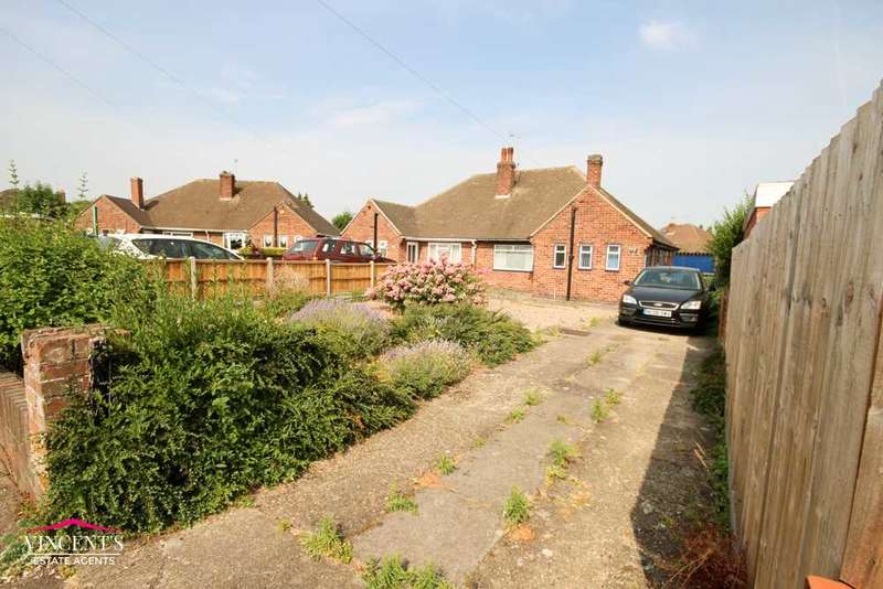 2 Bedrooms Bungalow for sale in Midhurst Avenue, Leicester
