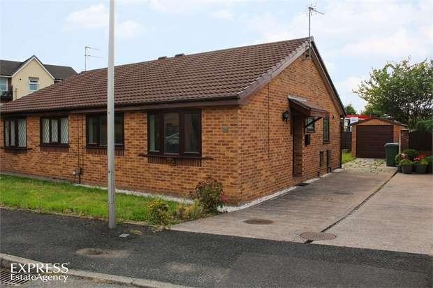 2 Bedrooms Semi Detached Bungalow for sale in Kerridge Drive, Bredbury, Stockport, Cheshire
