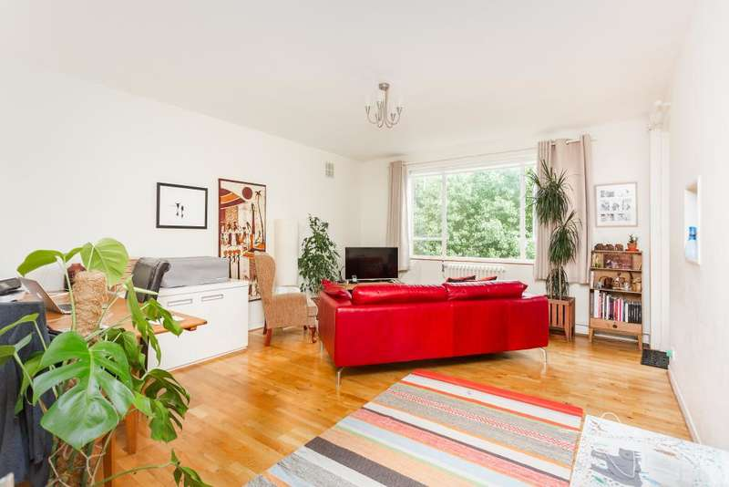 3 Bedrooms Flat for sale in Belsize Park, NW3