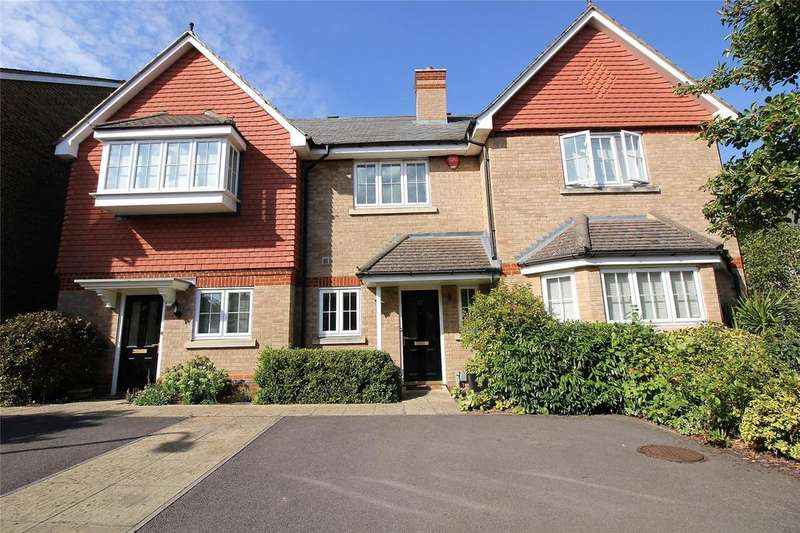2 Bedrooms Terraced House for sale in Elmwood Close, Woodley, Reading, Berkshire, RG5