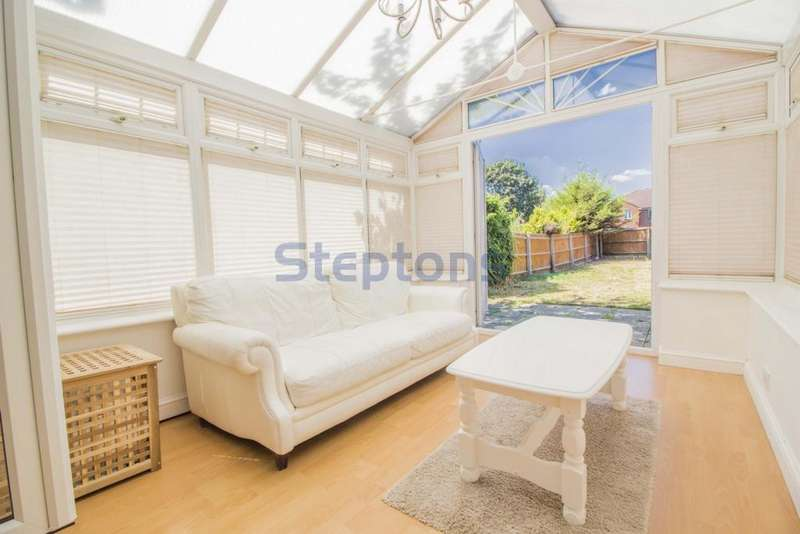 2 Bedrooms House for sale in Amy Warne Close, Beckton, E6