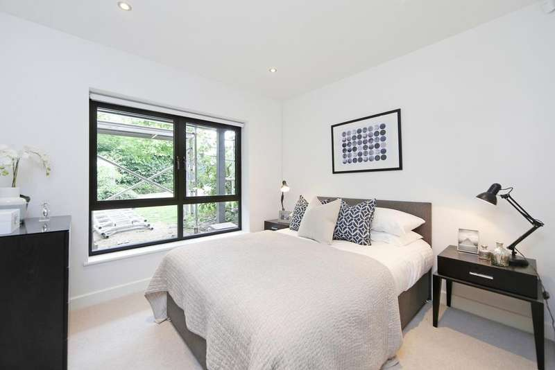 1 Bedroom Flat for sale in Bonfield Road Lewisham SE13