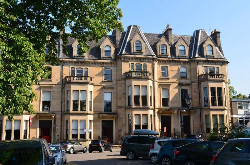 3 Bedrooms Flat for sale in Kingsborough Gardens, Flat 2, Dowanhill, Glasgow, G12 9QB