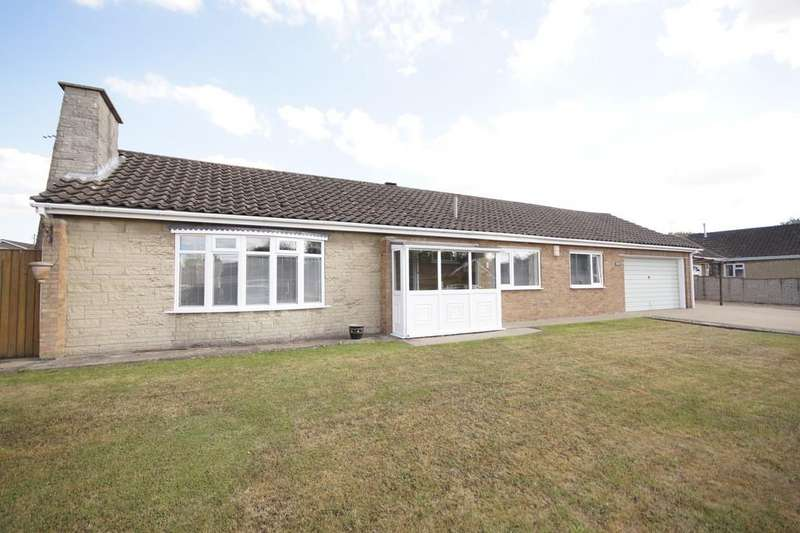 3 Bedrooms Detached Bungalow for sale in Holme Drive, Sudbrooke, Lincoln