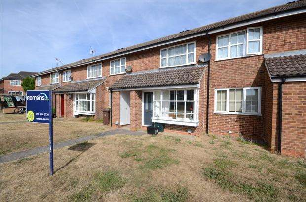 2 Bedrooms Maisonette Flat for sale in Dunbar Drive, Woodley, Reading