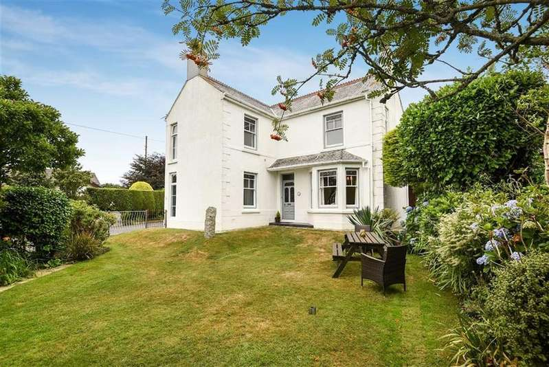 3 Bedrooms Detached House for sale in Westbridge Road, Trewoon, St Austell, Cornwall, PL25