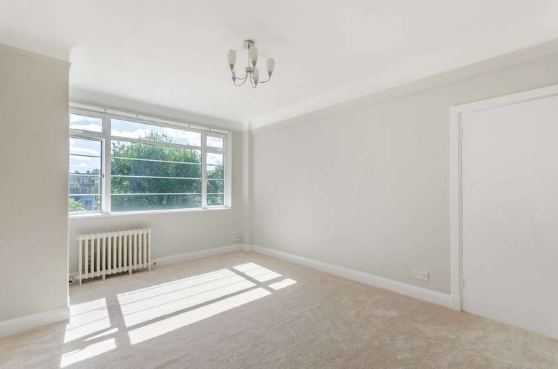 2 Bedrooms Flat for sale in Balham High Road, Balham, SW17