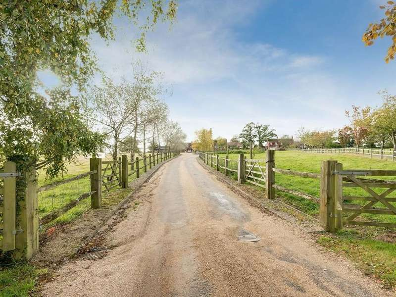 6 Bedrooms Farm House Character Property for sale in Dolmans Hill, Lytchett Matravers