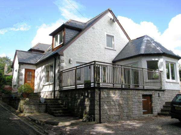 4 Bedrooms Detached House for sale in Old Well Road, Moffat DG10