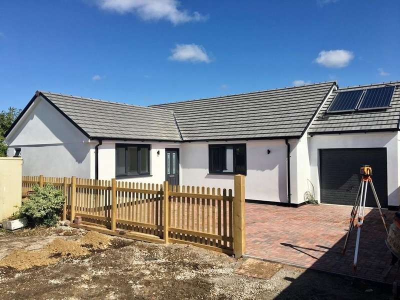 4 Bedrooms Detached Bungalow for sale in Main Road, Rosudgeon, Penzance