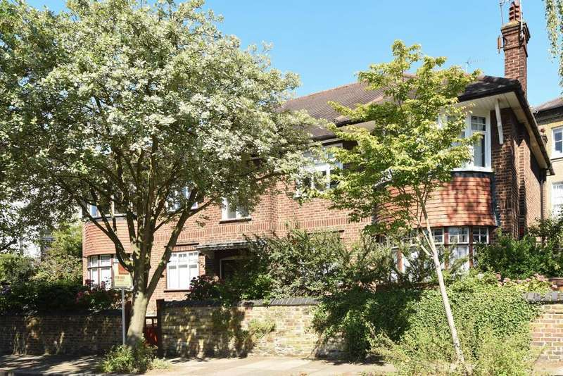 2 Bedrooms Flat for sale in Bramshill Gardens, Tufnell Park, London, NW5