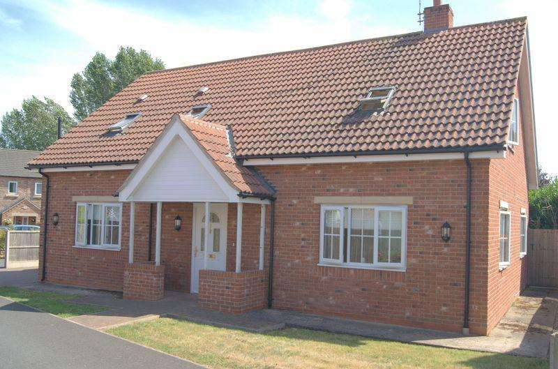 4 Bedrooms Detached House for sale in Friendship Close, Laughterton